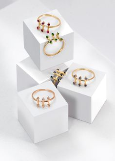 Parallèle Rings by SMITH/GREY #ring #jewellers #jewelry #rings #finejewellery #gemstones #gold #cubes #setup #artdirection #fashion