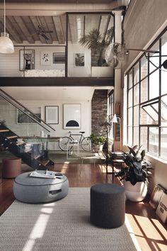 HUNTING – living room