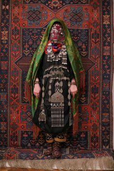 suzani:Avar woman (Caucasus), wedding traditional costume. Ethnic groups living in the Russian republic of Dagestan, villageRugudja, triba