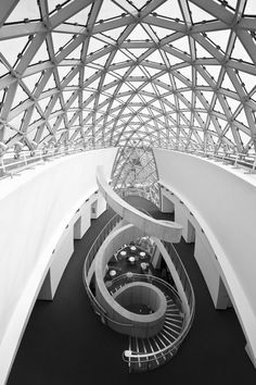 CJWHO ™ (Salvador Dali Museum | St. Petersburg Florida) #white #petersburg #museum #dali #florida #design #interiors #black #salvador #st #architecture #and #stairs #usa
