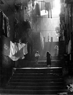 http://dirtycartunes.com/post/14646622108/undr untitled piergiorgio branzi #white #black #photography #and #stairs #light