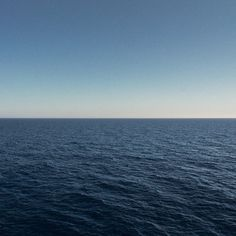 FFFFOUND! | two halves #twohalves #foto #photography #art #horizon