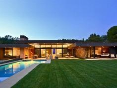 Marmol Radziner Designs an Elegant and Stylish Home in Beverly Hills