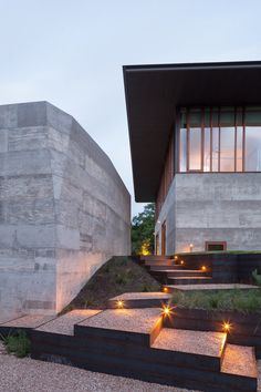 Balcones House is Like a Glass Pavilion Rising from a Solid Concrete Base 3
