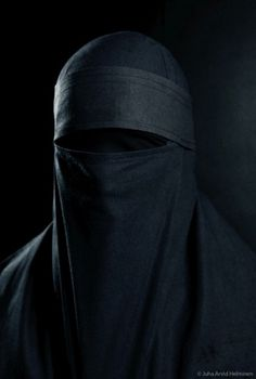 Faith_II_by_immanuel.jpg (450×667) #burka #photography #black