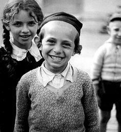 Black and White Photography by Roman Vishniac #photography #black and white #inspiration
