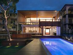 Multi-Level Home Revealing Amazing Views of Sydney's Harbour #multi-level #architecture #luxury