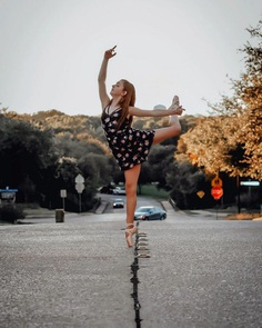 Marvelous Portraits of Ballet Dancers Practicing on The Streets of Dallas