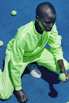 strapazzolli:© KOPE FIGGINS. #model #tennis #fluorescent #court #green