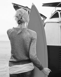 Minimal #surf #girl #sweater