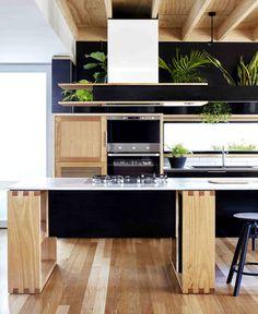 Wooden Box House by Moloney Architects - InteriorZine