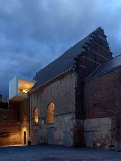 Old Chapel in Belgium Transformed into Office Space 14