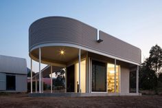 Home-Office Pavilion With a Striking Modern Architecture in Australia #office #architecture #modern