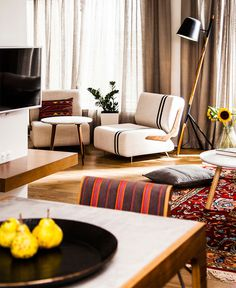 Eclectic Contemporary Apartment with Ethnic Touch - #decor, #interior, #homedecor