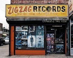 I vecchi negozi di New York negozi_nyc07 – Il Post #new #shop #york #typography