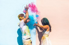 Have Simple Pre-Wedding Shoot with Organic Colors