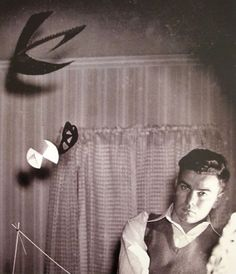 MONDOBLOGO: the genius of kenneth snelson #ken #sculpture #designer #snelson #portrait #engineer #artist