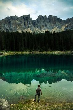 wow #forest #freedom #photography #men #lake #blue #splash #beauty