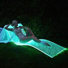 Lumiluxe LED Lounge Chair by BeMoss #tech #flow #gadget #gift #ideas #cool