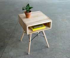 Mid Century Modern Inspired Side Table #build