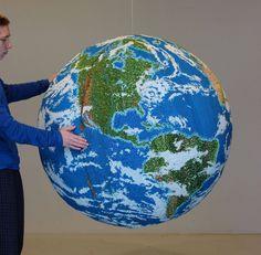 Globe Sculpture from Painted Matchsticks - JOQUZ #globe #matches