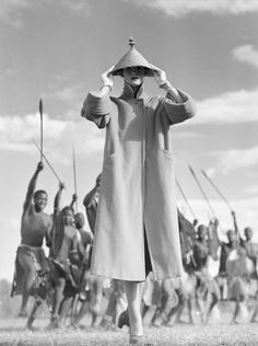 Norman Parkinson - Zulu War Dance - Photos - Photohab - Photographer's Portfolios #fashion #photography #inspiration