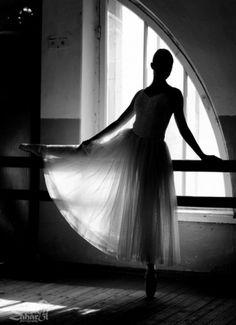 Sara Lindholm #white #ballerina #black #photography #and