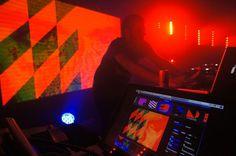 VJ Set I.Boat | tabaramounien – Studio de design graphique et multimédia àBordeaux depuis 2007 #live #vjing #geometry #interface