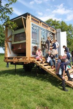 Buitenbed - Studio Makkink & Bey #bed #caravan #tinyhouse #architecture #holiday #maquette #scalemodel