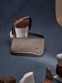 Miljours Studio Leather Bags - Mindsparkle Mag Miljours Studio, founded in 2017, designs simple yet elegant and classic accessories using eco-friendly leather. #logo #packaging #identity #branding #design #color #photography #graphic #design #gallery #blog #project #mindsparkle #mag #beautiful #portfolio #designer