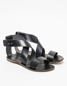 RIVE SANDAL IN BLACK