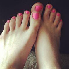 #feet, #pink