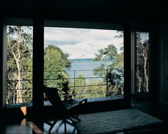 Architecture Photography: House on Lake Rupanco / Alejandro Beals, Christian Beals - 2086338195_08 (3926) – ArchDaily #interior #house #on #window #architecture #lake #rupanco #trees