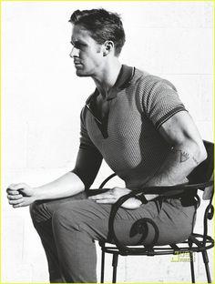 ryan-gosling-gq-magazine-january-2011-02.jpg (924×1222) #muscle #ryan #manly #hot #man #gosling