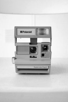 Sara Lindholm - Polaroid, camera