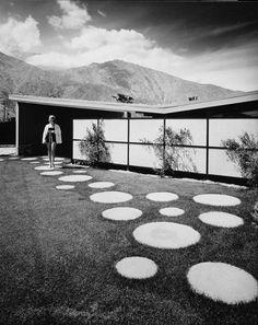 Julius Shulman – 12th Press #palms #house #modern #design #shulman #julius #photography #architecture #twin