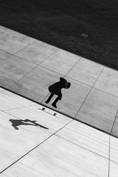 LE CONTAINER #skater #bw