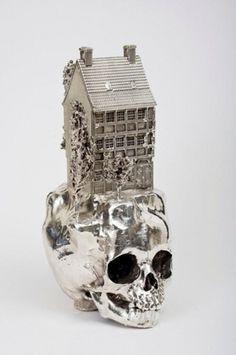 Frodo Mikkelsen #frodo #sculpture #house #art #skull #mikkelsen