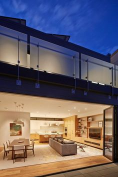 1908 Noe Valley Cottage Transformed into a Cohesive Modern Dwelling 13