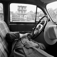 Vivian Maier | creativedusk. purveyors of fine inspiration. #old #photography