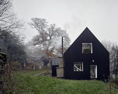 The Remains of an XVII Century Cottage Encapsulated in a Modern Home