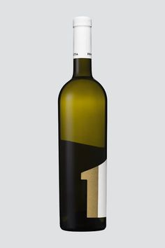 """Primus Zitsa"" is the No.1 wine in the Premium class of ""Domaine Glinavos"" wines. The design objective was to promote the name Zitsa #premium #packaging #design #label #wine #glinavos #gold #domaine #typography"