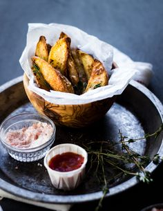 The Best Crispy Oven Fries (with Sriracha, Garlic and Thyme) #food