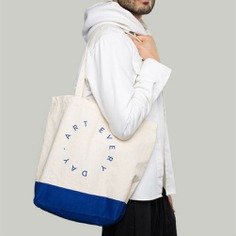Art Tote Bring art everywhere you go with the Art Tote. It is a minimalist cotton canvas tote, ideal to bring to school, shopping, or on travels. Made out of 100% cotton. Designed in the US, and available in black and blue.