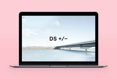 Picture of website designed by Studio Brave for the project Derek Swalwell Photographer. Published on the Visual Journal in date 11 December 2015