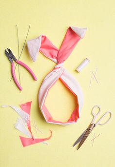 The House That Lars Built.: DIY bunny ears twist tie #costume #do it yourself #bunny