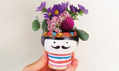 WELCOME TO POLKAROS #flowers #mustache #vase