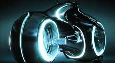 Tron Legacy: News, Synopsis, Footage and Concept Art - FilmoFilia #robots