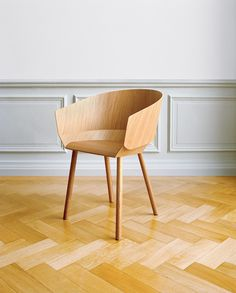 Houdini_ChairwithArmrest_oak #chair #wood #furniture #stefan #diez