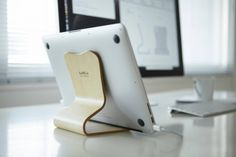 Desktop Chair by Atelier MOKU #macbook #stand